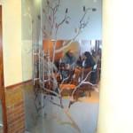 """Стъклена врата с рисунка """"Пролетно дърво"""""""