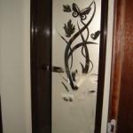 Врата от закалено стъкло с алуминиева каса