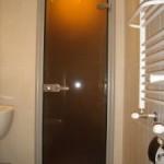 Стъклена врата на баня