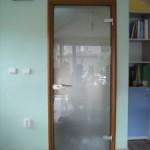 Стъклена врата в офис, гр. София - матирано стъкло, каса в цвят дърво
