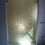 Стъклена летяща врата