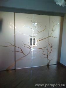 Плъзгащи врати от стъкло